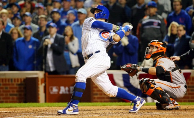 javier-baez-air-jordan-1-cleats-game-winning-home-run